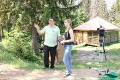 Алексей Иванов беседует с Еленой Окишевой